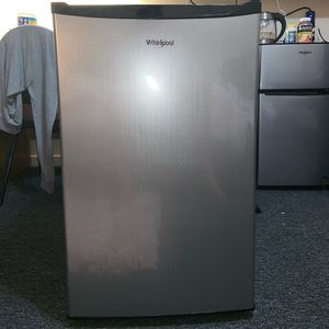 Whirlpool 4.3 cu ft Mini Refrigerator